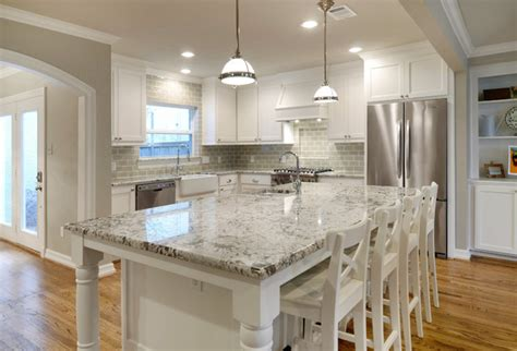 Bianco Antico Granite With White Cabinets by Park Remodel Traditional Kitchen Dallas