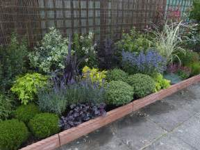 Small Garden Planting Ideas Low Border Plants Landscaping And Containers Gardens Garden Borders And The Plant