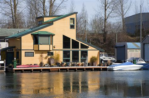 boat houses portland oregon 39 floating homes in seattle portland and vancouver photos