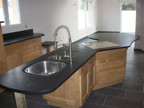 plan de cuisine granit plan de travail en granit noir