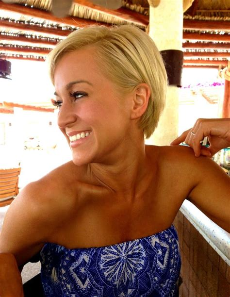 kellie pickler hairstyle photos kellie pickler her hair looks cute growing out like this
