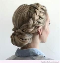 easy waitress hairstyles best 25 low bun braid ideas on pinterest
