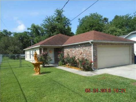 520 pershing st lafayette la 70501 foreclosed home