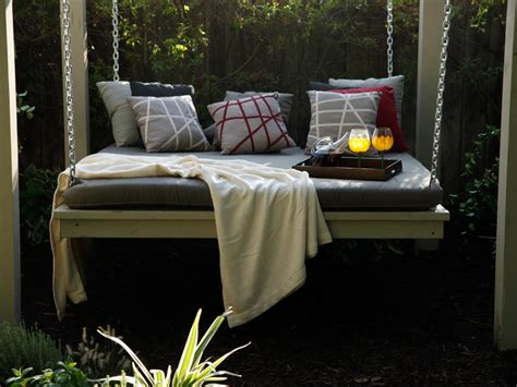 build an outdoor daybed hgtv photos the outdoor room with jamie durie jamie durie