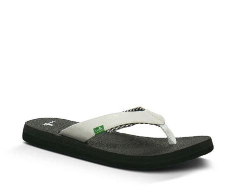 Sandals Made From Mats by Sanuk Mat S Sandals Direct