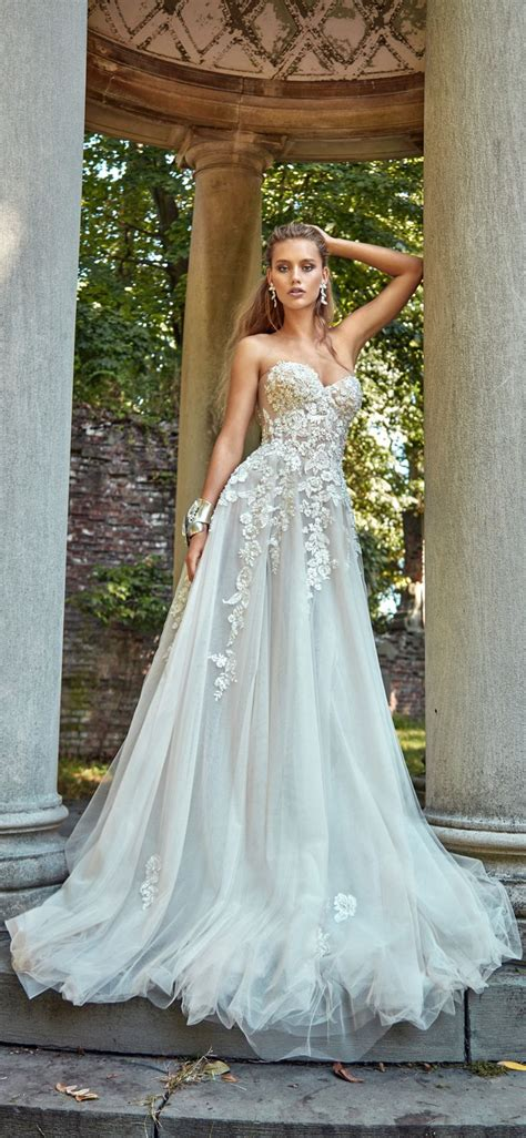 Pretty Gowns For Weddings by Best 25 Wedding Gowns Ideas On