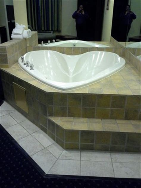 Hotels With Tubs In Room In Md by Beautiful Large Suite Picture Of Comfort Suites
