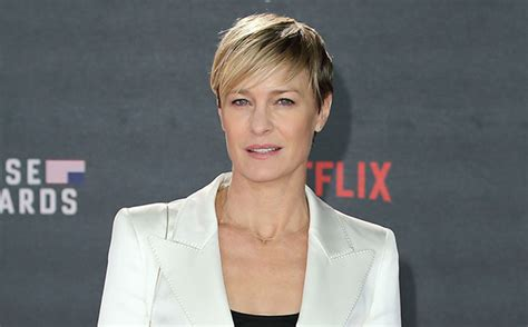 robin wright house of cards house of cards robin wright pressed for pay equal to kevin spacey ew com