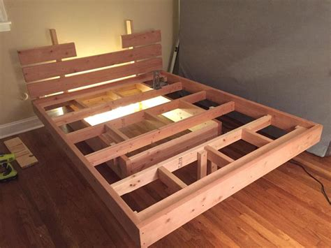 How To Make A Floating Bed Frame 1000 Ideias Sobre Floating Bed Frame No Pinterest Camas De Plataforma Arma 231 227 O De Cama E