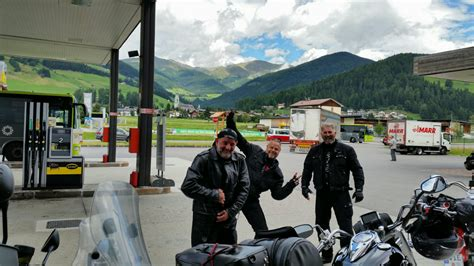 Motorrad Tour Nrw by Eine Kleine Tankpause Motorradtouren Nrw Friends On Tour