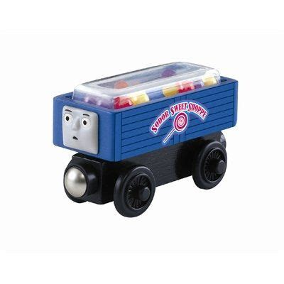 Friends Feature Cargo Pack Dhc73 and friends gumball and toys on