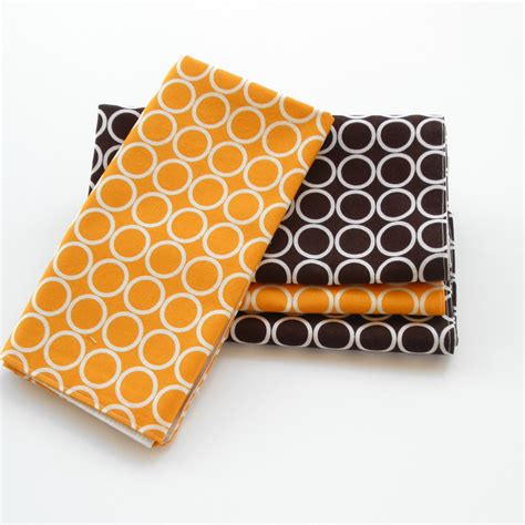Gold Pattern Cloth Napkins | modern cloth napkins gold and brown circle pattern table