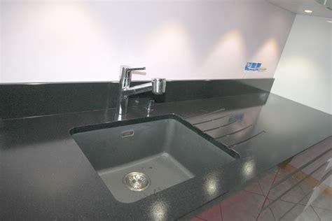 evier sous plan de travail granit 3280 cuisine granit noir l 233 tano 30 04 15 178 granit