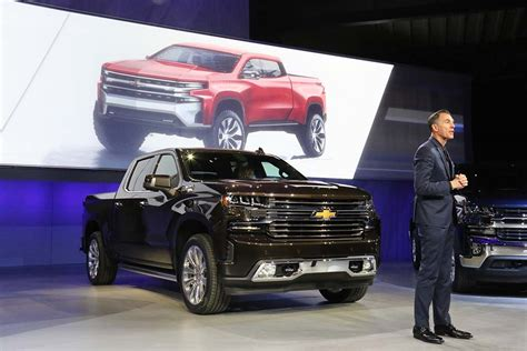 2019 Gmc Rendering by Can 2019 Chevrolet Silverado Topple Ford S King Of The