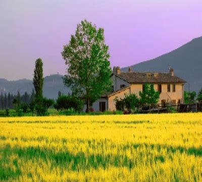 agriturismo con camino appartamenti con camino e fattoria didattica a spello