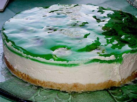 wackelpudding kuchen kindergeburtstag waldmeister g 246 tterspeise torte rezepte chefkoch de