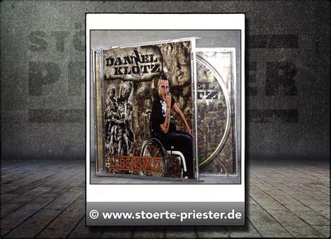 Metal Band Heckscheibenaufkleber by Daniel Klotz Daniel Klotz Lebensmut