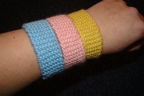 how to knit a friendship bracelet knitted bracelets 183 a knit or crochet bracelet 183 knitting