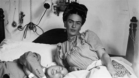 frida kahlo brief biography frida kahlo mini biography biography com