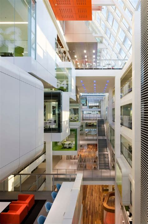 macquarie bank office macquarie bank by clive wilkinson architects karmatrendz