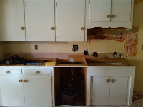 old cabinets repainting old kitchen cabinets and making a new one