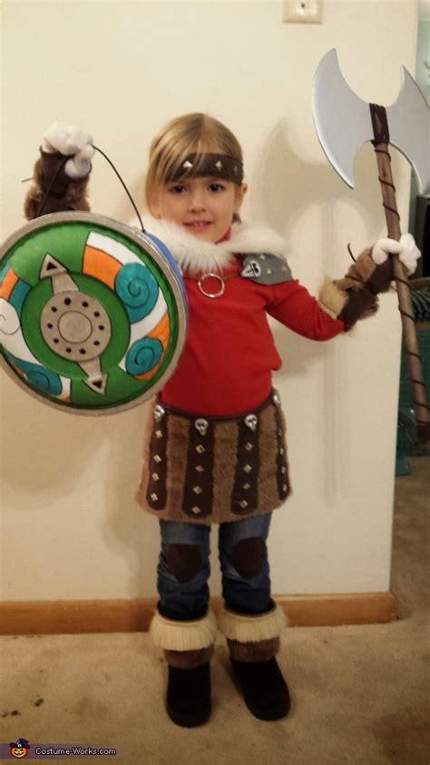 train  dragon astrid costume easy diy costumes