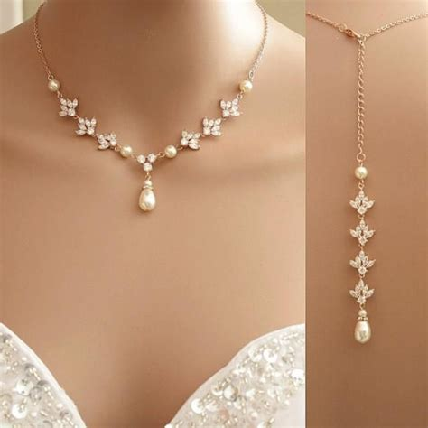 braut collier 25 best ideas about bridal backdrop necklace on pinterest
