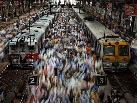 Mumbai Local Trains: Is the Western or Central Line Busier ...