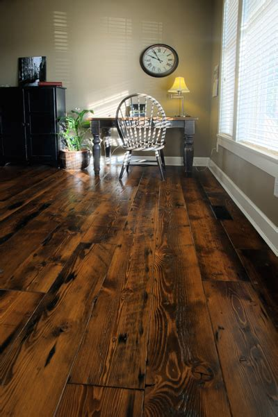 Rustic Flooring Ideas 24 Amazing Ideas Of Rustic Wood Flooring For Extravagant Look