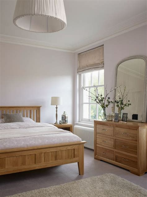 Decorating Ideas For Bedrooms With Oak Furniture How To Incorporate Oak Furniture In Modern