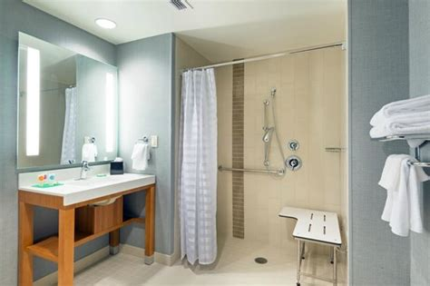 Places To Shower For Free by Accessible Bathroom With Roll In Shower Picture Of Hyatt