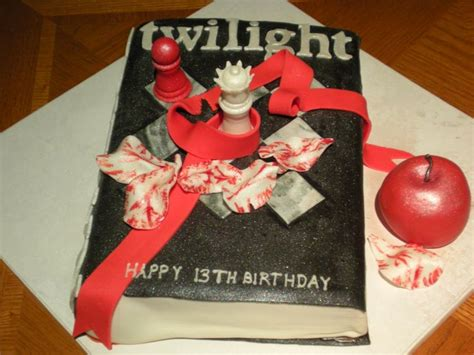 image coolest twilight book cake 5 21338906 jpg 15 best images about cakes twilight on pinterest