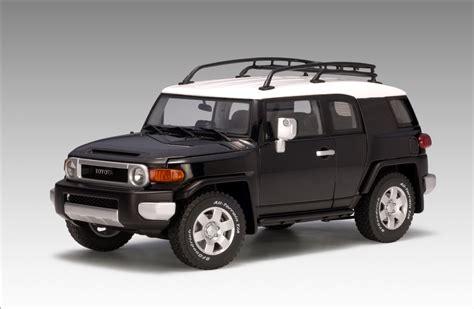 toyota cruiser black autoart toyota fj cruiser black 78856 in 1 18 scale