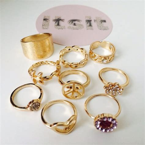 jewels ring rihanna nails gold gold ring gold jewelry