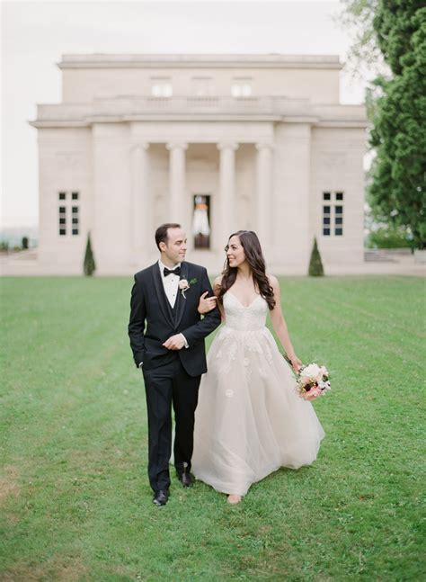 5 black tie wedding themes to inspire the special day