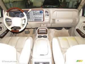 2000 Cadillac Escalade Interior 2000 Cadillac Escalade 4wd Neutral Shale Dashboard Photo