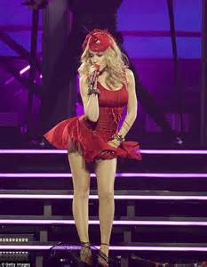 She Hers Perlak Mini By She Hers minogue puts on a performance on australian