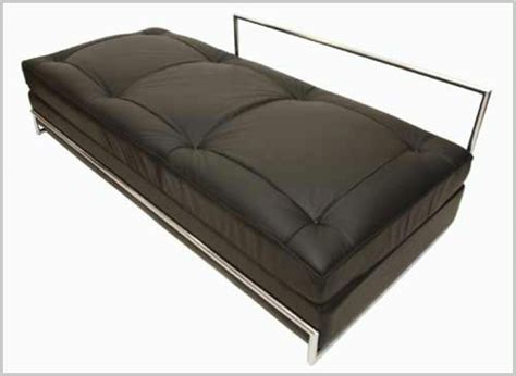 Eileen Gray Daybed Eileen Gray Daybed Bauhaus Italy