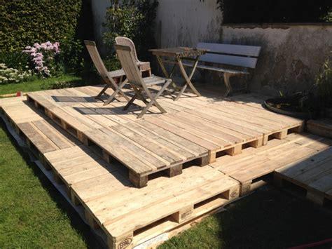 Terrasse Aus Paletten Bauen holzterrasse aus paletten selber bauen so geht es
