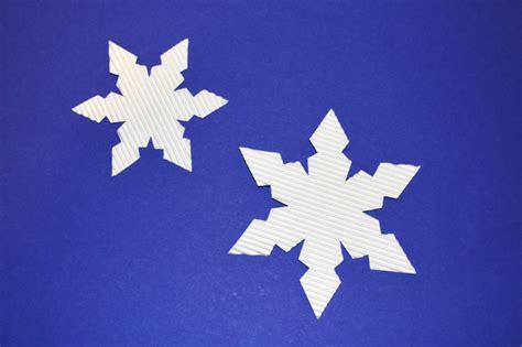 Schneeflocken Aus Papier Basteln by Schneeflocken Basteln Kinderspiele Welt De