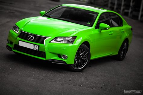 lexus green lexus gs in acid green looks like the autoevolution