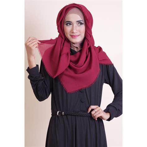 Jilbab Segi Empat Polos Rawis kerudung segi empat rawis polos dengan desain variatif
