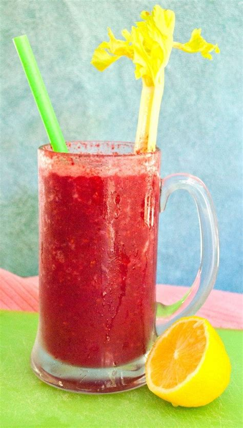 Apple Berry Detox Smoothie by A Detox Smoothie