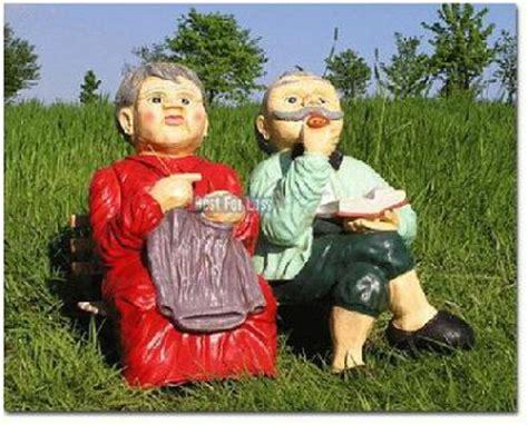 Oma Und Opa Auf Der Bank Gartendekoration