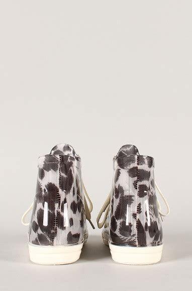 Tas Leopard Cap 6 chic sneakers for fashionistas in this autumn pretty designs
