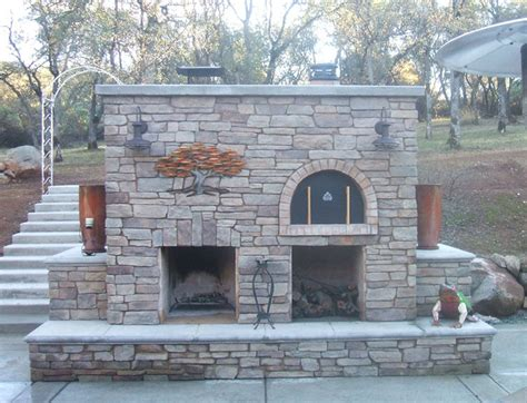 Outdoor Brick Fireplace With Pizza Oven by Family Outdoor Fireplace And Diy Wood Fired Brick