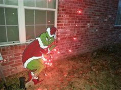 grinch pulling down lights 1000 images about for diane on burlap door hangers grinch and the grinch