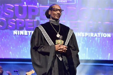 best snoop dogg album rapper snoop dogg s gospel album tops gospel album charts