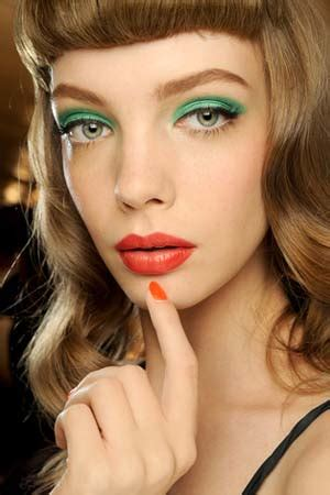 new beauty trends fashionable makeup looks refinery29 eye makeup trends in pastel colors for spring summer 2011