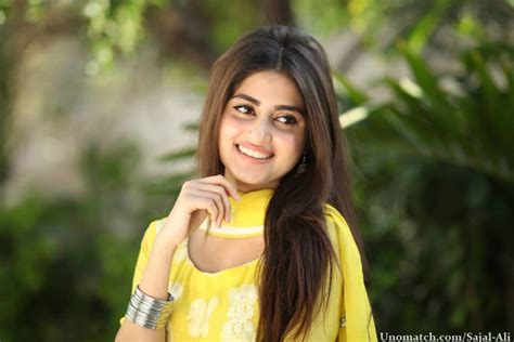 sajal ali without makeup hows she looking without sajal ali denies her wedding rumors with feroz khan